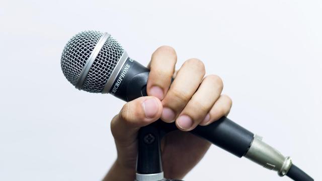 カラオケで思いっきり歌ってダイエット!? 消費カロリーの高いカラオケ曲ベスト30を大発表☆