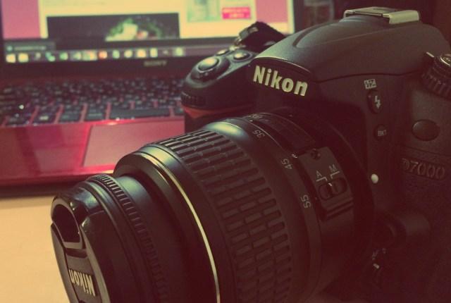 3月19日は「カメラ発明記念日」なんだってさ! 世界初の写真機はセルフィーどころじゃない大変さだったらしい…