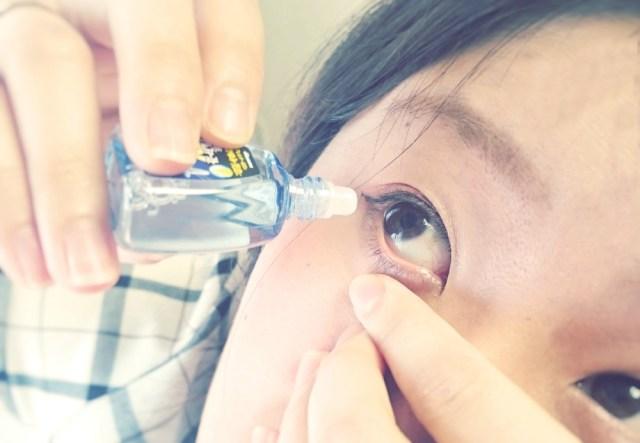 【花粉症】目薬の「正しいさし方」をマスターせよ! さした後に目をパチパチさせるのはご法度なのよ