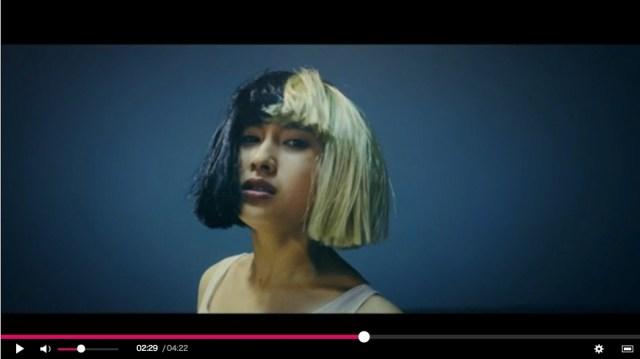 土屋太鳳が激しく躍動するシーア『アライブ』日本版MVがとうとうフル解禁! 心揺さぶられるダンスに目が釘付けに
