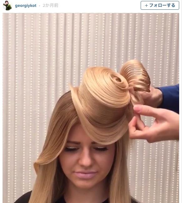 【もはやオブジェ】髪の毛で帽子やバラなどのヘアアレンジを披露するスタイリストがマジすごい!!