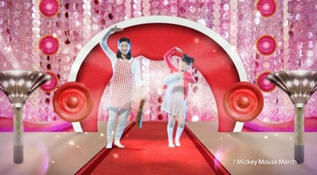 突然ノリノリで踊り出す母娘にいったい何が…!? ディズニーの名曲を使ったエクササイズDVD「ディズニー・マウササイズ」が登場