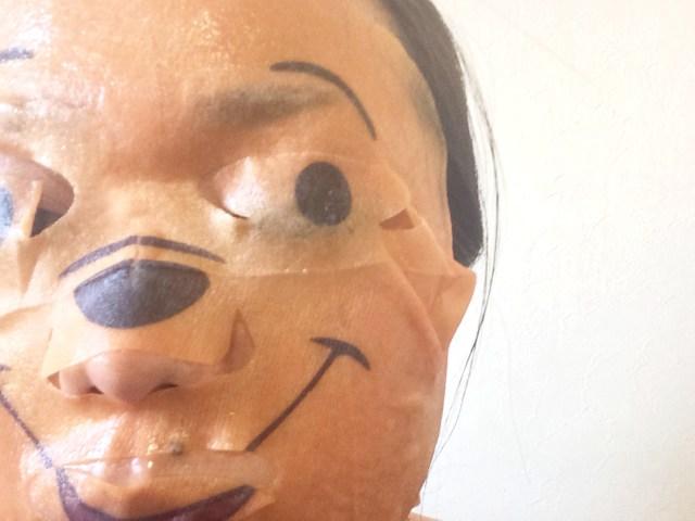 【検証】バケモノになると話題の「くまのプーさん」フェイスマスクを試してみた / 虚ろな瞳が想像以上にクレイジーだった!