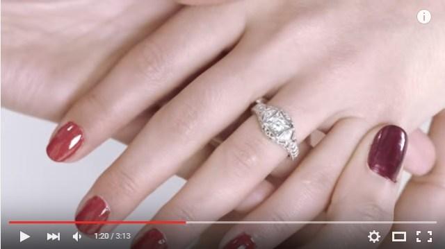 3分で振り返る!! 「婚約指輪」と「ウェディングドレス」の100年間の歴史がわかる動画