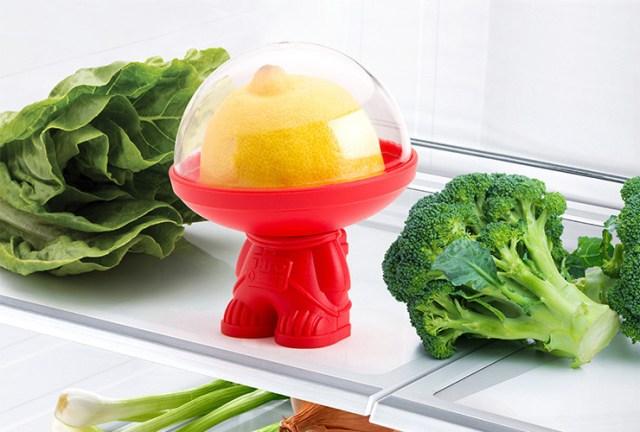 こんなの欲しかった! 使いかけの野菜は「宇宙飛行士型フードコンテナ」に入れとこう♪