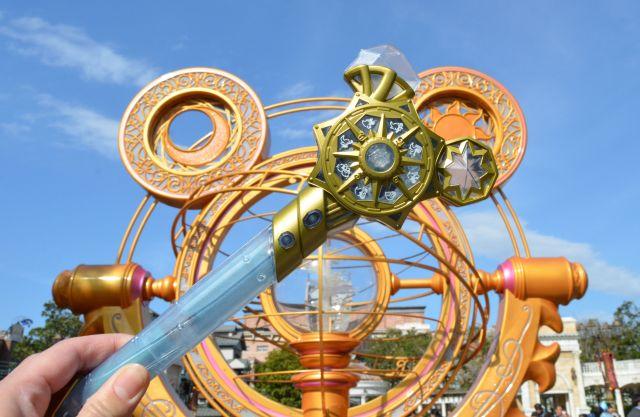 【東京ディズニーシー】魔女っ子必見♪ 15周年記念の「クリスタルコンパス」が魔法のステッキみたい / 5つの遊び方を紹介しちゃうよぉ~!