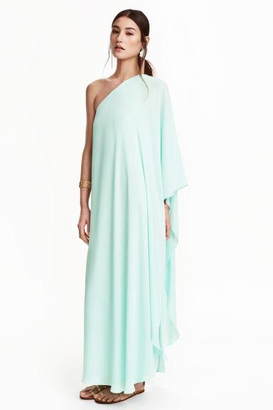 """H&Mが """"神々が着そうな洋服"""" を販売し話題に! ネットの声「マツコデラックスは似合いそう」「どこの民族衣装ですかねえ」"""