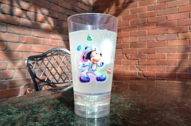 【東京ディズニーシー】15周年記念のドリンクカップがマジカル! 「ウィッシュ・クリスタル」がキラキラ輝く仕掛けがステキです♪