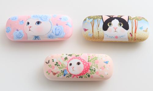 つぶらなウルウル瞳が超キュート♪ ピンクのほっぺが愛らしい猫キャラ「choo choo」のメガネケースが発売されたよ!