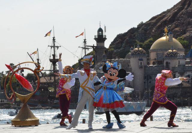 """【東京ディズニーシー】15周年のハーバーショー「クリスタル・ウィッシュ・ジャーニー」はとってもにぎやか! みんなの """"Wish"""" が輝くよ♪"""