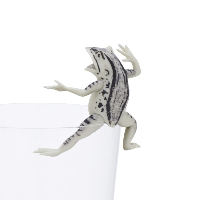 ついに国宝までフチっちゃった!! あの「鳥獣戯画」のウサギやカエルたちがコップのフチに飾れるフィギュアに!