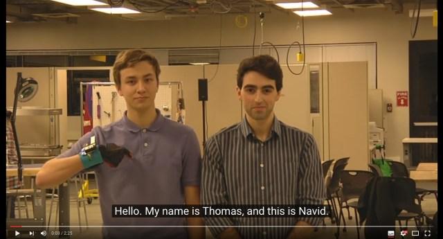 ワシントン大学の学生が開発した「手話を通訳するグローブ」が画期的! 手話を文字と音声に変換する装置にさまざまな可能性を感じます!!