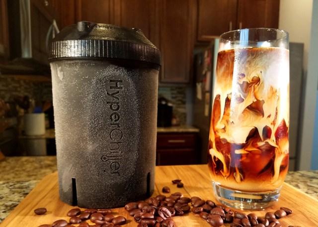 アッツアツのコーヒーがたった1分でアイスコーヒーに! アツい飲み物を急冷する超便利アイテムを発見したよ♪