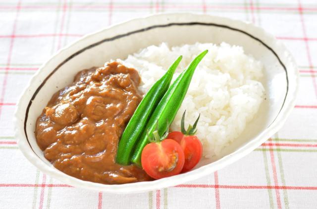 5月14日は韓国の「イエローデー」らしいよ! 男性は黄色い服でカレーライスを食べないと恋人ができないんだって!