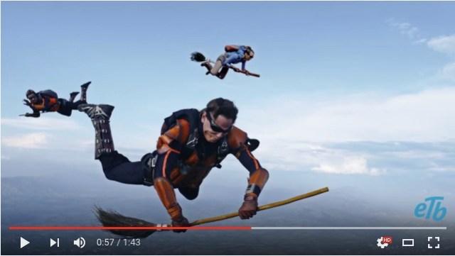 ハリー・ポッターに登場する「クィディッチ」を実際にやってみた!! スカイダイバーたちがプレイするCM動画が迫力満点