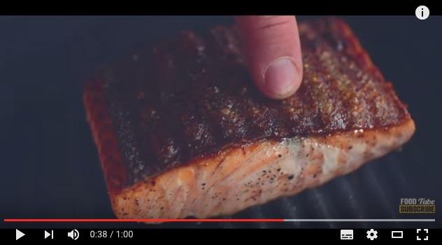 これで絶対失敗しない! ジェイミー・オリバーが教える「フライパンで完璧な焼き魚を作る」方法!!