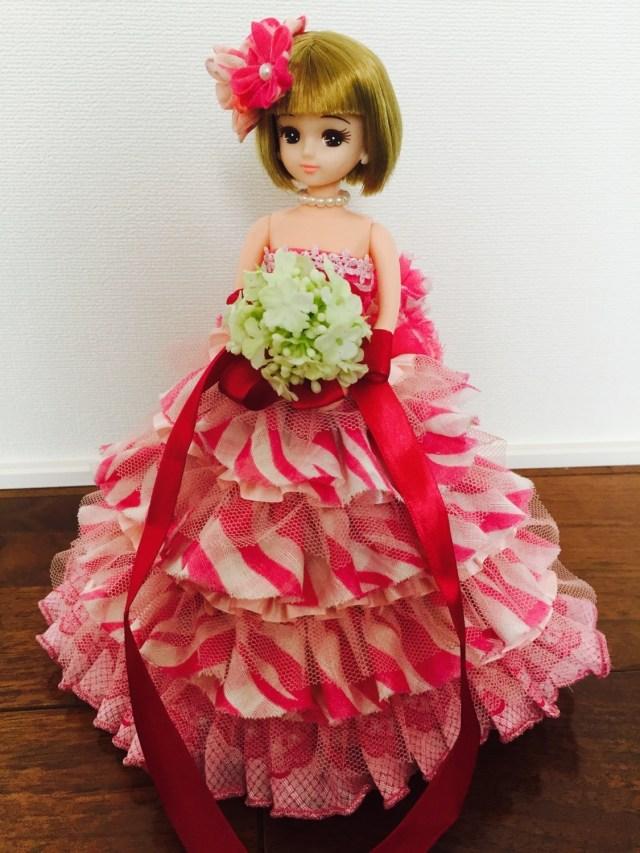 ハンカチからできてるなんて信じらんない…!! 「リカちゃん ハンカチお洋服コンテスト」優勝のドレスがゴージャスで美しい!