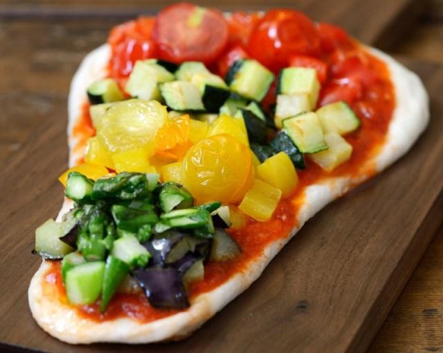 【ナンが主役に躍り出る】ピザ風やフレンチトースト風も! 斬新なナンメニューが味わえる期間限定カフェが恵比寿にオープンするよ