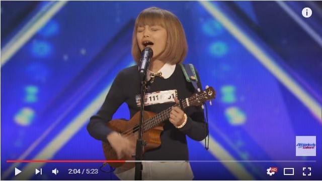 オーディション番組「ゴッド・タレント」に出演した12歳少女の歌声に世界が注目! 辛口審査員「君は第2のテイラー・スウィフトだ」