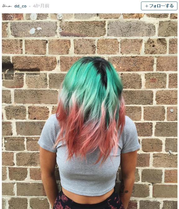 今夏のイチオシ髪型は「スイカ」!? グリーンとピンクがポップでまぶしいウォーターメロンヘアが海外で流行しつつある模様