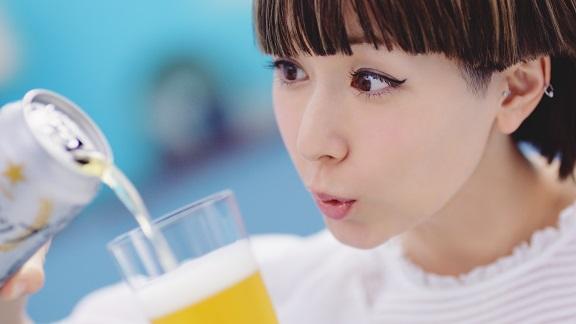 木村カエラさんのCMを完コピする近藤春菜さんが爽快キュート♪ 「カエラじゃねーわ!」っていわれても否定したくなるかわいさ