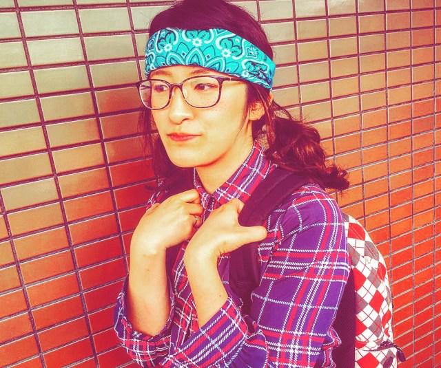 10代女子を中心に「ヲタクコーデ」が流行中! チェックシャツをパンツイン × バンダナ × 三つ編みメガネが基本のようです