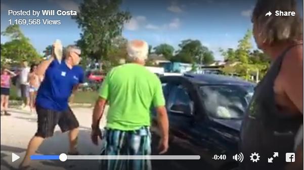 【動画あり】車の窓に石を投げつける男性に周囲が拍手喝さい! その理由は…取り残されたワンコを救うためだった