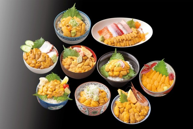 【ウニ好きは行くべし】新鮮な生ウニを贅沢に盛込んだ「キラキラうに丼」にお腹がグ〜ッ! 南三陸町9つの店で味わうことができます