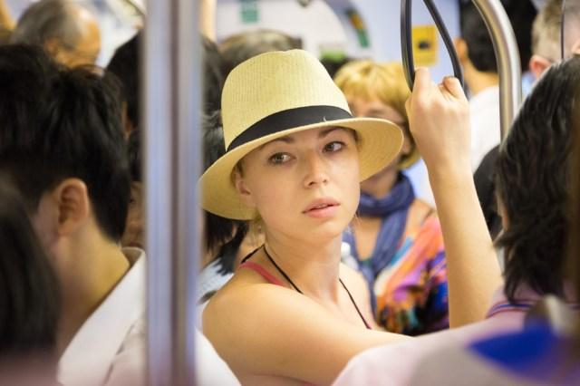 汗臭いときの緊急事態あるある30 / 汗だくの私が満員電車で蒸されて…悪臭キタァー!!!