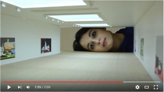 「世界の有名美術館」に頭を入れたらどんな風景が見える? 海外アーティストによるユニークな参加型アートが話題に
