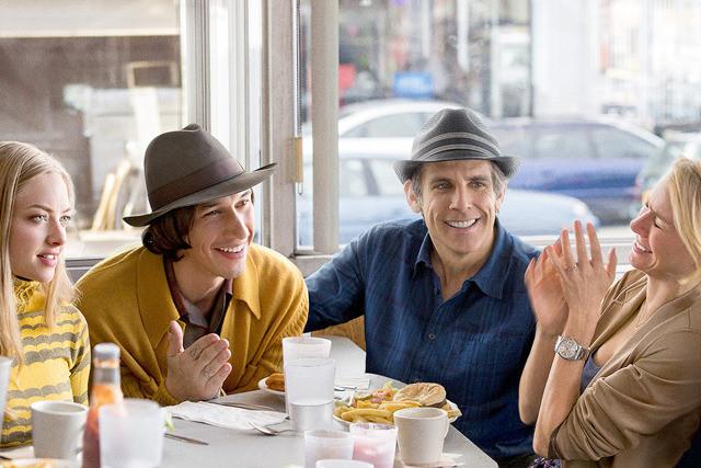 流行から遅れたくない中年カップルのイタさ VS 若いカップルのずうずうしさ…映画『ヤング・アダルト・ニューヨーク』の苦い笑いが刺さる〜!!【最新シネマ批評】