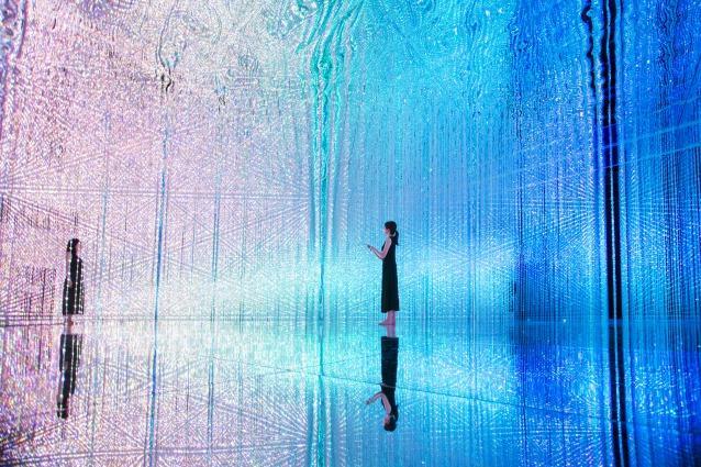 宇宙空間をイメージした光の彫刻が圧巻! お台場で開催中の体感型デジタルアート作品展「DMM.プラネッツ Art by teamLab」が見どころ満載すぎる!