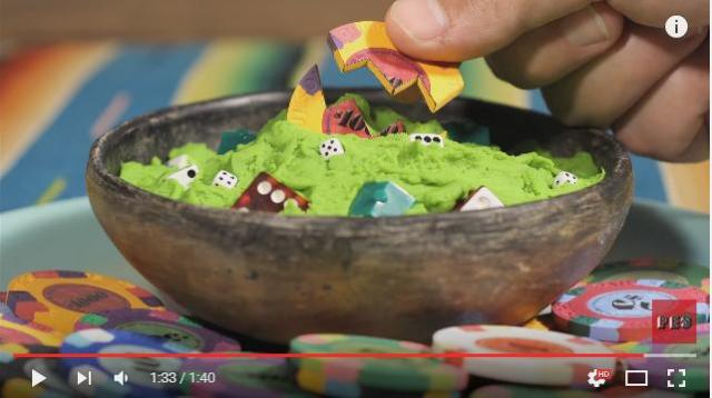 【不思議映像】アボカドのディップ「ワカモレ」を作ってる音はするのに…食べ物がまったく登場しないってどういうこと!?