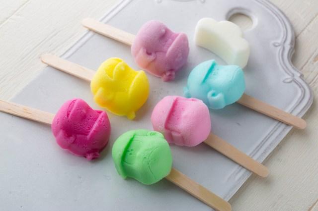 「おそ松さん」のアイスやチョコが作れちゃう♪ 萌えかわな6つ子のシリコントレー付きのレシピブックが発売されるよぉ~!!!