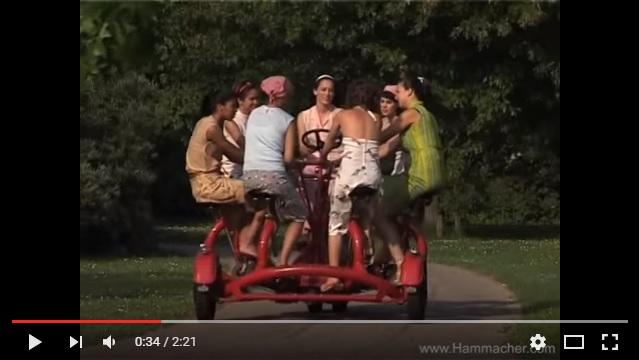 ぼっちには無用の長物!! アメリカの通販サイトで見つけた「7人乗り自転車」がリア充仕様でめちゃくちゃ楽しそう!