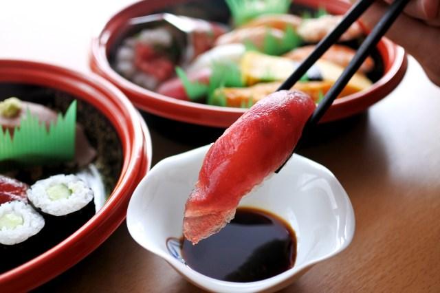 【検証】宅配寿司「すし上等!」の寿司はどれぐらい上等なのか? 実際に食べてみた結果…これで1人前800円とか(笑)