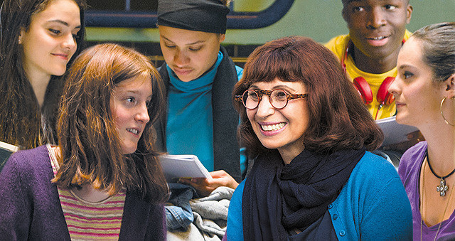 パリ郊外での実話を元にした映画『奇跡の教室 受け継ぐ者たちへ』荒れた生徒をやる気にさせた女性教師の授業とは?【最新シネマ批評】