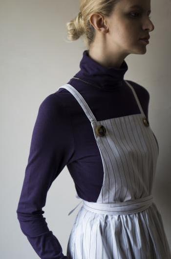 ローラさんデザインのエプロン発売だよ / シンプルで大人可愛いデザイン&巻きスカートにもなる2WAY仕様なのです〜♪