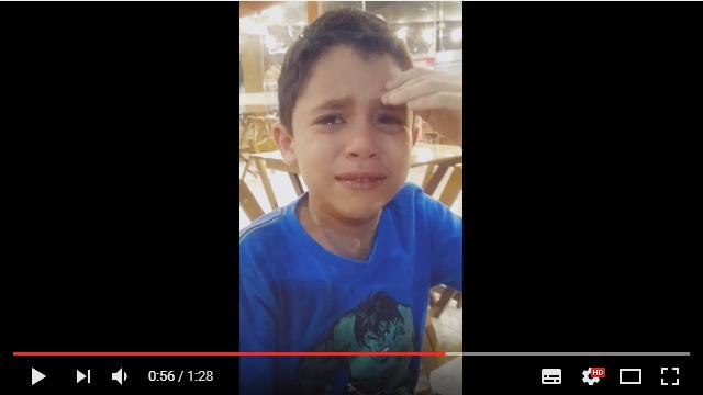 突然「双子のお兄ちゃんになるんだよ」と告げられた少年…ピュアすぎる反応にもらい泣き!