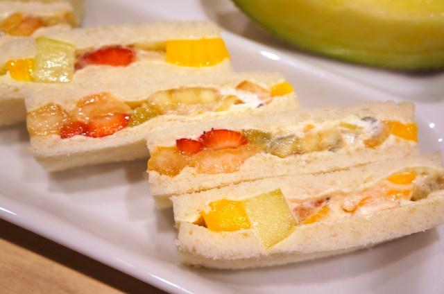 果物ゴロッゴロ!! 神フルーツサンドを早朝からいただけるフルーツパーラー「果実園リーベル」は乙女の楽園じゃ〜っ