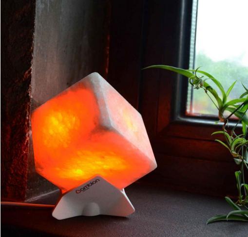 柔らかく温かな光に心癒される…モダンなデザインのヒマラヤ岩塩ランプでお部屋をリラックス空間にしちゃお♪