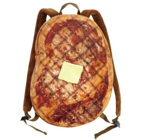 例の牛肉、焼いちゃいました! 肉汁したたり落ちそうな「ステーキリュック」がボリューミーでいい味出してる!!