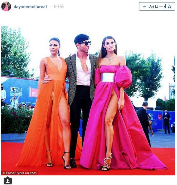 チラ見せどころじゃなーい! べネチア国際映画祭に登場したモデル2人のドレスがあまりにも大胆すぎる