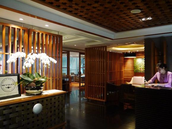 経由便なのに疲れず癒される♪ バンコクのタイ国際航空ラウンジにはスパがあるんです