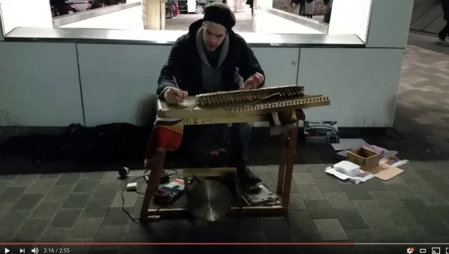 【癒し】「わりばし」でできた楽器はどんな音色? わりばしピアニストの演奏がとっても幻想的で癒やされます