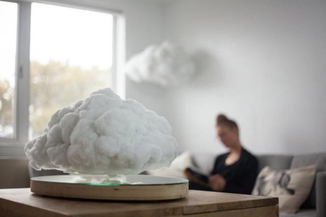 本物の雲そっくりに宙にふわりと浮くスピーカー「メイキング・ウェザー」が幻想的ですっ