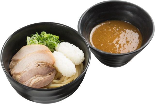 「シャリ」がつけ麺にトッピングされてる!!! スシローから不思議な新商品「鯖系カレーつけ麺」が登場するってよ