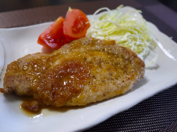 簡単なのにお肉がやわらか〜い「トンテキ」を作れました / ドラマ『深夜食堂』のレシピを再現してみたよ〜っ