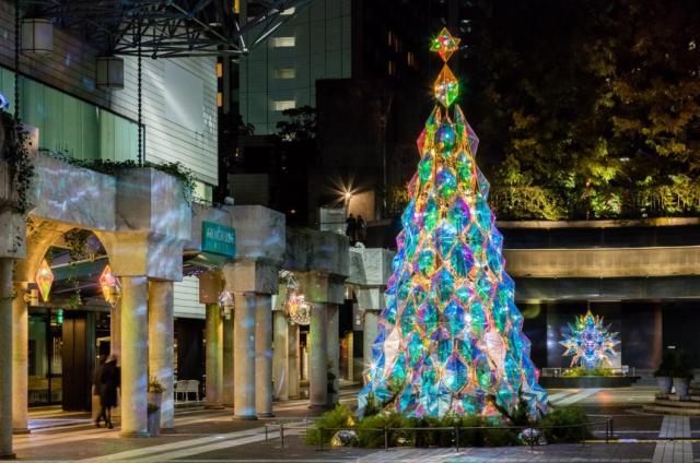【イルミ2016】見る角度や高さによって表情を変えるクリスマスツリーが東京港区アークヒルズに登場♪