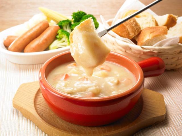 ボンカレーが「チーズフォンデュ」でも楽しめるレトルトカレーを発売 / 5種類のチーズが入った真っ白なカレーなんだよ♪
